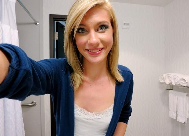 blonde coquine
