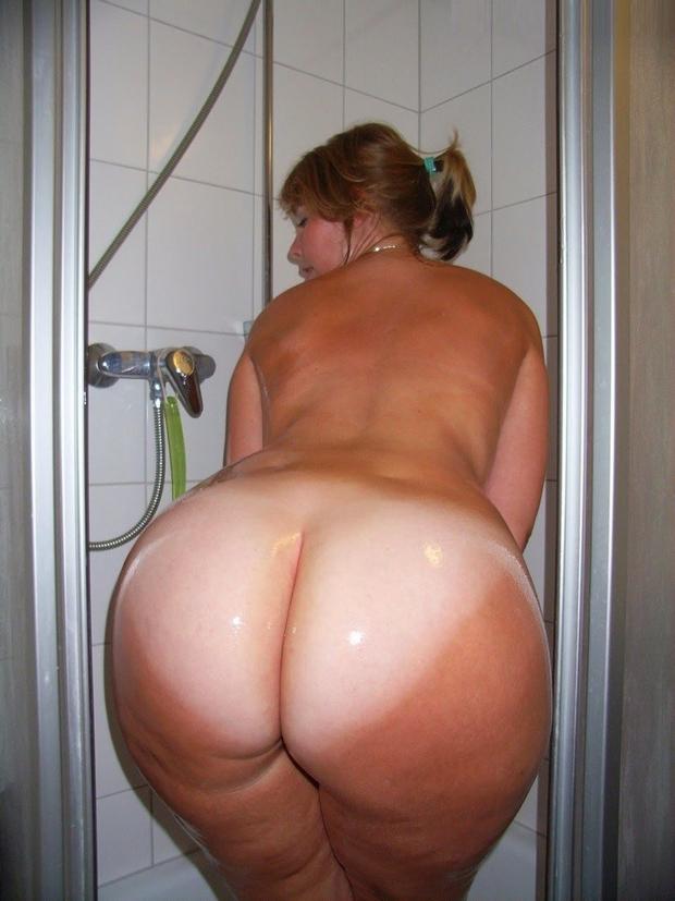grosses fesses douche