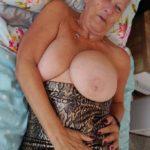 gros seins de vieille
