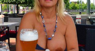 photo exhibe au bar Cannes