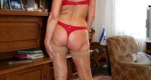 grand mère en string